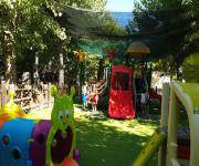 village_camping_pineto_beach_area_giochi