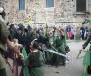 castello_di_bardi_bambini_contro_guerrieri
