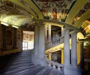 palazzo_farnese_scala_regia_basso