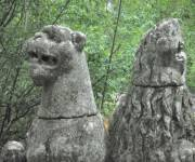 sacro-bosco-di-bomarzo-statue